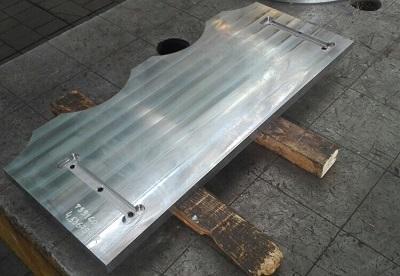 Изготовлен комплект плит скольжения для пресс-ножниц